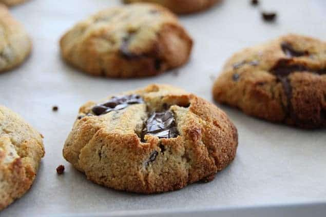 Low-Carb Chocolate Chip Cookie
