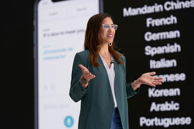 Yael Garten mostra una demo di Siri alla WWDC20.