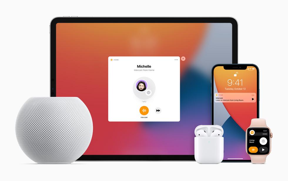 Использование функции «Интерком» наHomePodmini, iPadPro, AppleWatch Series6, AirPods иiPhone12.