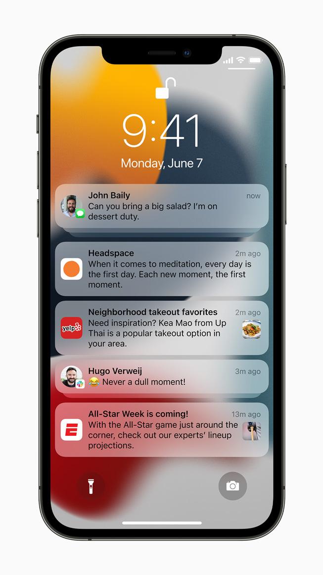 Alcune notifiche su un iPhone 12 Pro.
