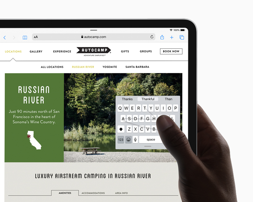 A website on iPad displaying the new floating keyboard and QuickPath one-hand typing in iPadOS.