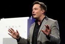 Elon Musk Falcon Heavy hatasını itiraf etti