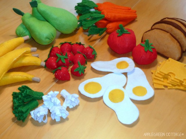 7 of my favorite free felt play food TUTORIALS for home-made felt fruit and vegetables