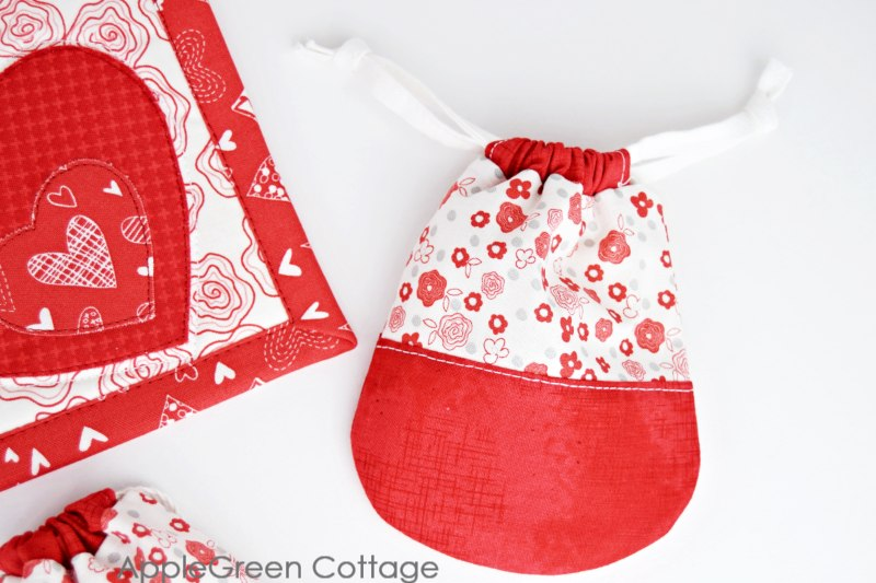 valentines gift pouch free pattern