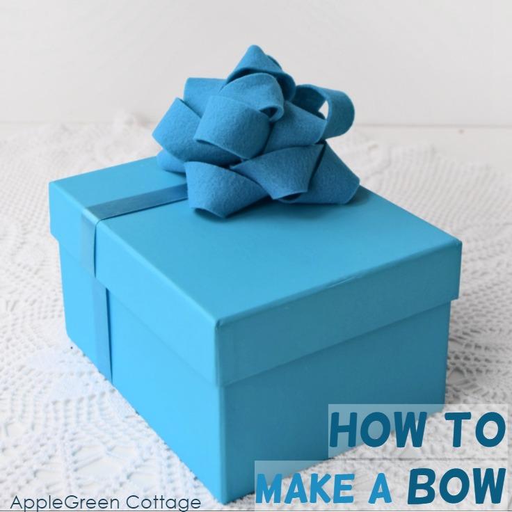 diy felt bow made of blue felt
