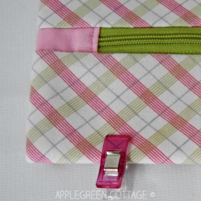 zipper tabs on zipper pouches