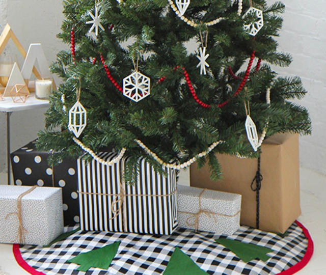 Tree skirt free tutorial