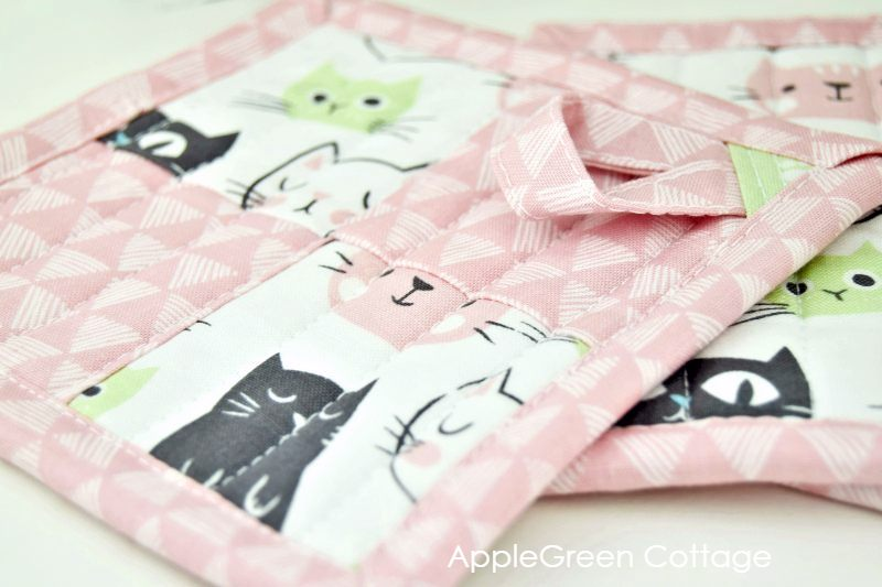 potholder with quilt binding