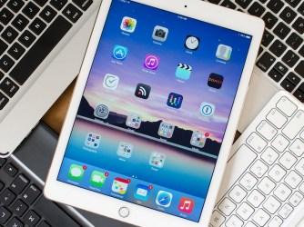 iPad 2018 - pouzdra s klávesnicí