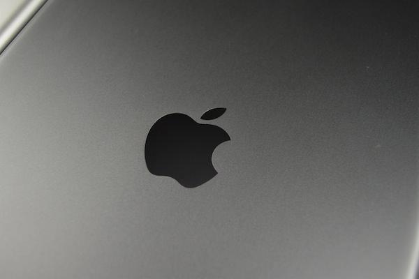 Apple-iPad-5-Space-Grey-05