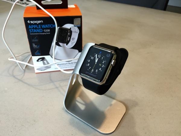 Spigen stand Apple Watch