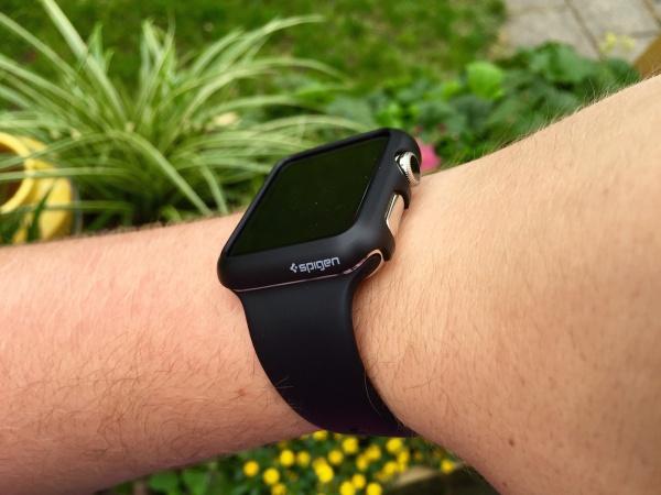 Spigen Apple Watch thin case