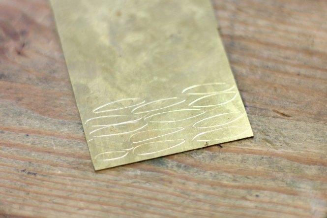 Dessin des pétales - Boucles pétales martelées sur www.apprendre-la-bijouterie.com
