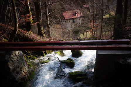 Pont, Via Dinarica