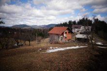 Petit hameau, arrière-pays croate, Via Dinarica