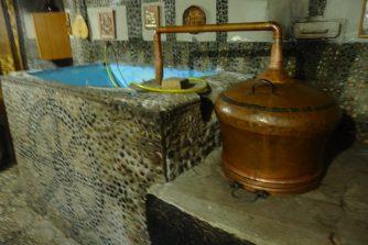 Alambic. 5000 litres de raki par an !