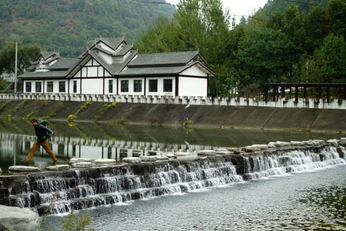 Village touristique dans la montagne