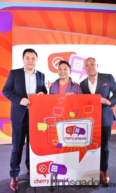 Globe President and CEO Ernest Cu (rightmost) joins Cherry Mobile CEO Maynard Ngu (leftmost) and brand ambassador Michael V in the launch of the telco's co-branding partnership with Cherry Mobile