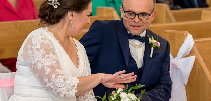 Zdjęcia ślubne - Para młoda, obrączki