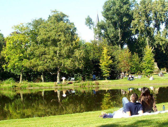 Vondelpark con niños y alrededores