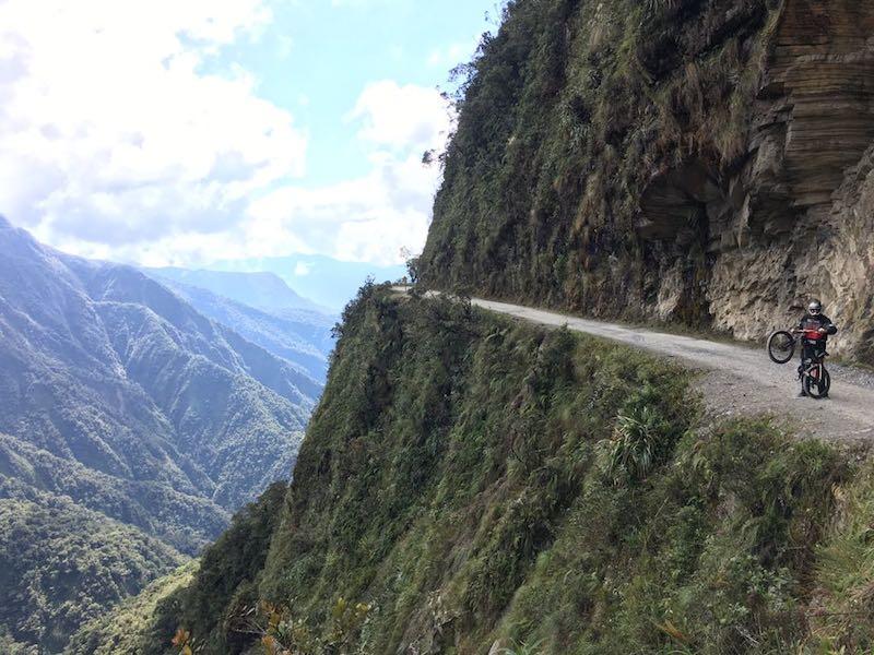 carretera de los yungas la paz