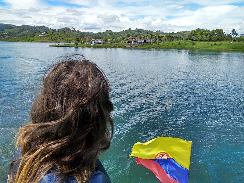 excursion barco embalse guatape