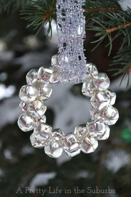 Silver Bells Wreath Ornaments | #silverandgold #diy #craft #holiday #christmas