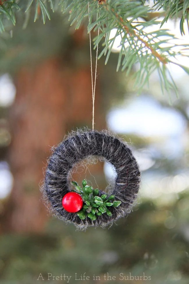 yarn wrapped mini wreath