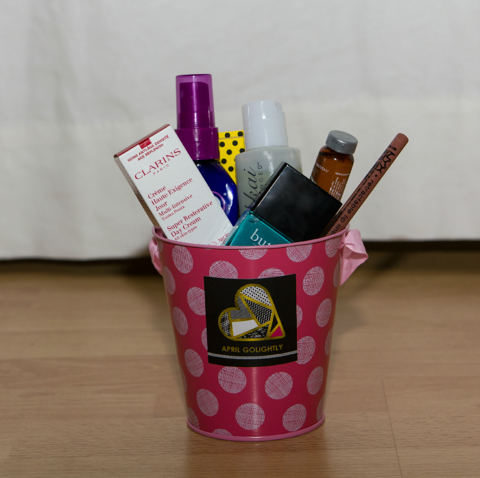 Beauty Swag Bag DIY from beauty blogger aprilgolightly.com