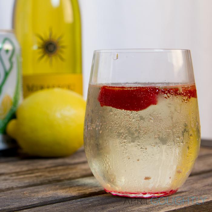 Zesty Wine Spritzer Recipe_-8