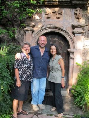 Hugo welcomed us to Casa de Espiritus Alegres