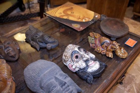Verona Il Sole d' Oriente maschere indocinesi