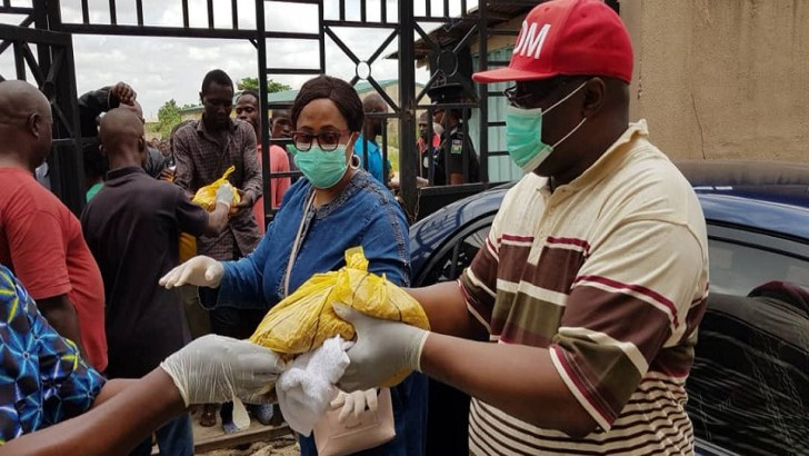 COVID-19: Our Daily Manna Publisher, Bishop Kwakpovwe, Shares Food Items To Over 1000 in Lagos