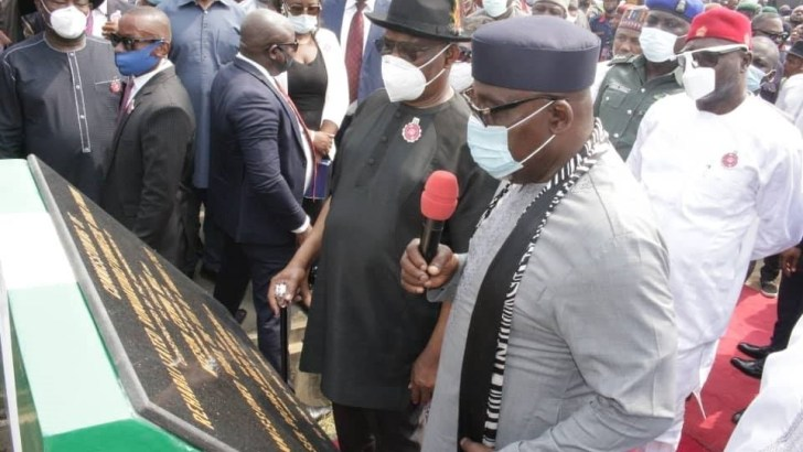 Okorocha Calls For New Political Alliance, Says Bad People In Both APC And PDP