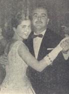Maria Angela Nogueira de Lima dança a valsa das debutantes com seu pai o Dr. Marcelo Nogueira de Lima