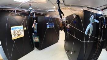 """Exposição """"Emaranhados""""convida público a imergir no mundo das crianças"""