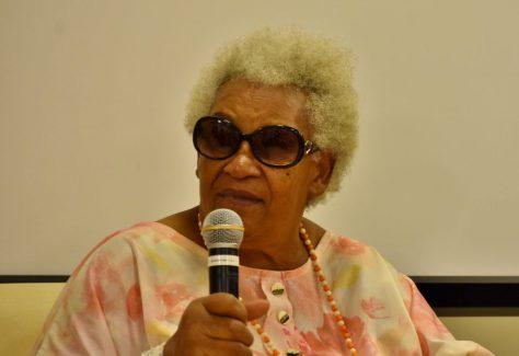 D. Carmela Pereira, 82 anos, é neta de escravos, artista Naif autodidata, contadora de histórias e escritora