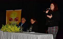 Marcelo Puppi, Prefeito de Campo Largo; Patrícia Fuzeti Elias, coautora do livro; Andrea Zámolyi Park, diretora de Assuntos Governamentais e Corporativos da Caterpillar Brasil