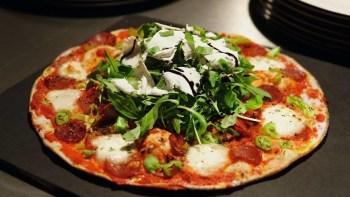 AHA comemora segundo aniversário com Pizzadaha