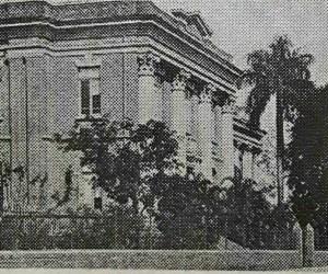 1884_edif-colegio_post12