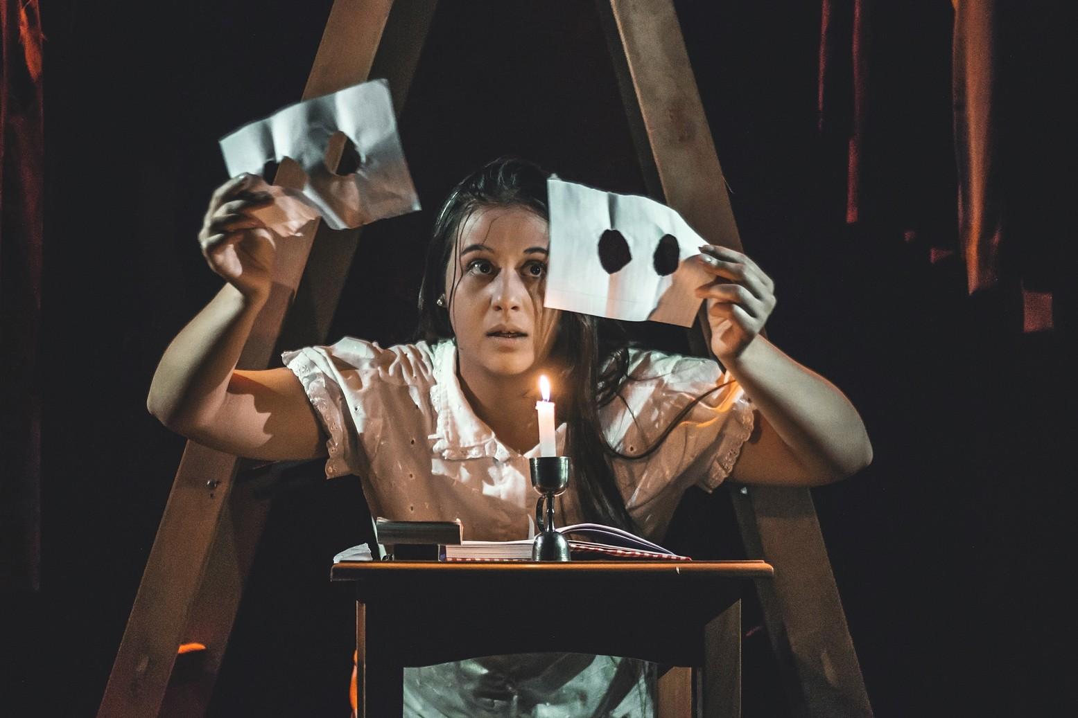 Espetáculo de Teatro musical sobre Anne Frank no Sesc