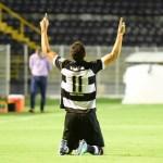 Ítalo celebra primeiro gol (foto – Michel Lambstein)