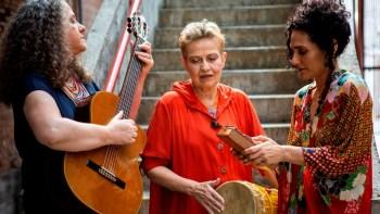 Sonora Brasil apresenta Líricas Femininas no Sesc