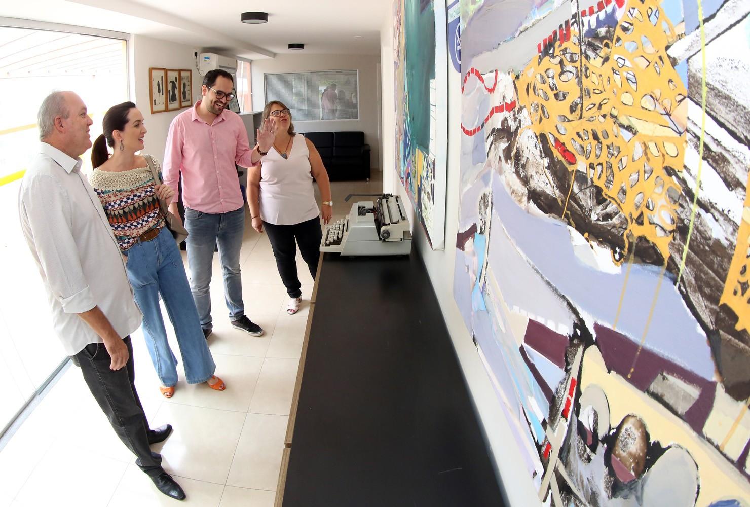 Acervo artístico vai ser exposto na Câmara de Santa Barbara d'Oeste
