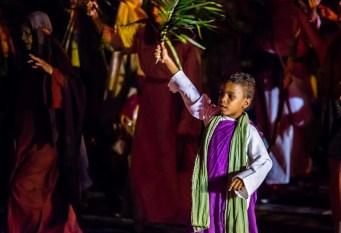 """Anualmente, Piracicaba acompanha a encenação da """"Paixão de Cristo"""". (imagens: Rochetto Fotografias)."""