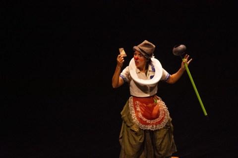 """Em edições anteriores do Festival: espetáculo """"(I)mundo de Sofia"""". (foto: Ingrid Anne)"""