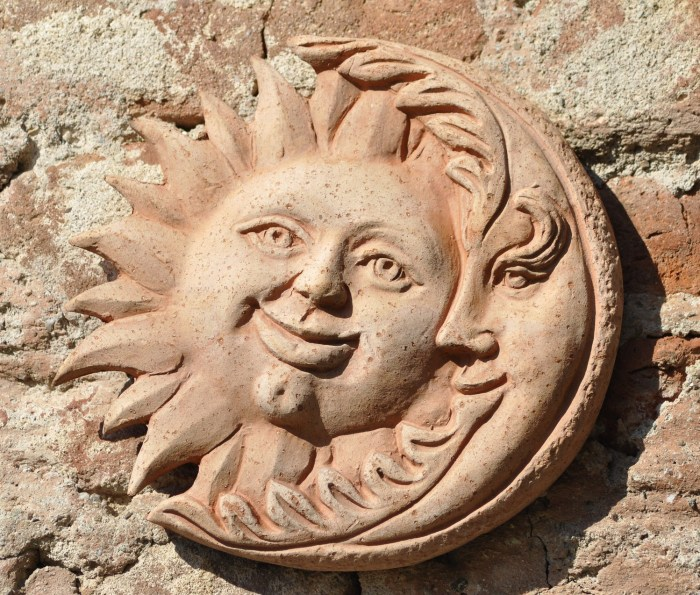 the-sun-and-the-moon-5379402_1920 – Copy