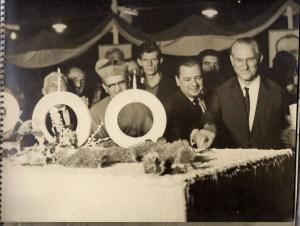 Na foto, Luciano Guidotti aparece à direita, junto à autoridades, dentre elas o governador Abreu Sodré. Foto: Edson Rontani Junior
