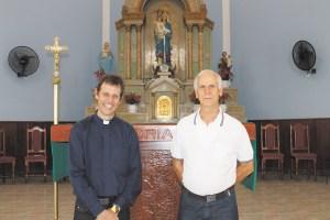 Padres Emerson Correr  e Daniel Stenico serão responsáveis pela nova paróquia. crédito Rosiley Lourenço