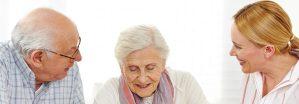 Senioren bei Pflegeberatung